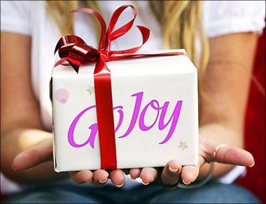 Что подарить приятельнице