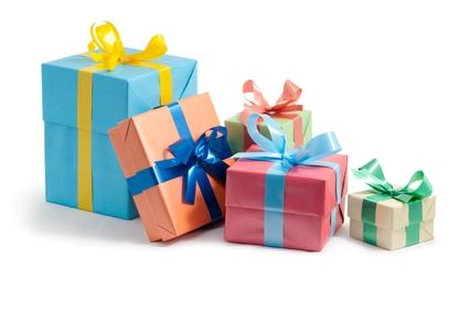 Подарки подруге на Новый 2019 год: что подарить, идеи картинки