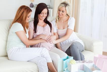 Беременной подруге на день рождения