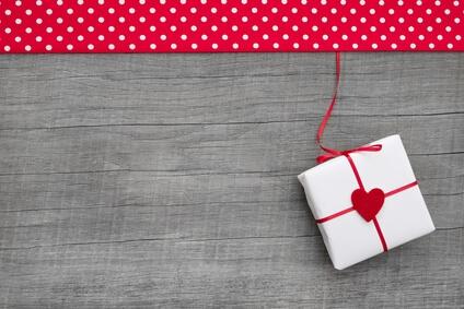 Что подарить жене на Новый год 2020? Идеи на любой бюджет новые фото